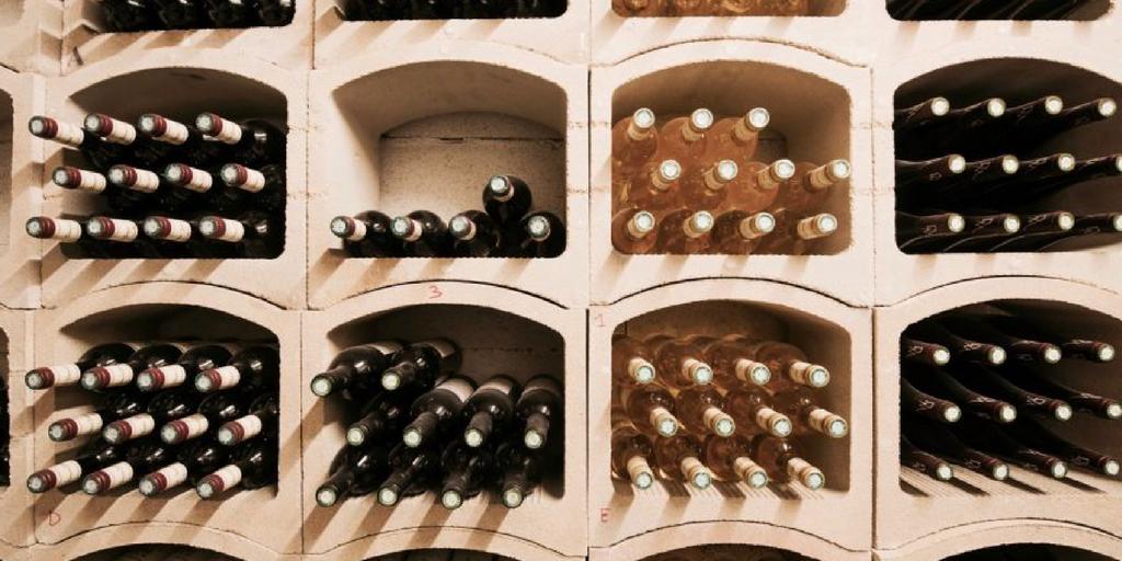 stockage vin bouteilles couchées